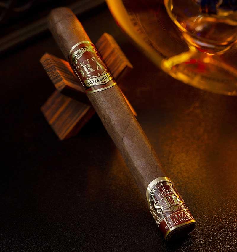 Southern Draw Kudzu Lustrum sẽ ra mắt tại Cigars International ở Hamburg